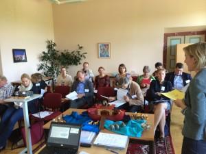 Interessierte und begeisterte Teilnehmer/-innen folgen den Ausführungen