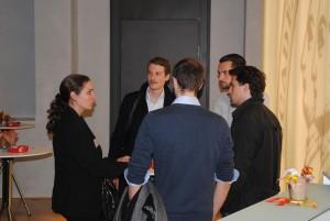 Frau Prof. Gatzert im Gespräch mit Promovenden